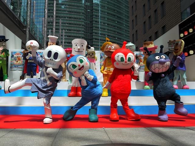 写真左から、ホラーマン、コキンちゃん、ドキンちゃん、ばいきんまん (C)やなせたかし/フレーベル館・TMS・NTV