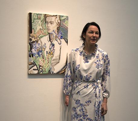 """エリザベス ペイトンと""""Irises and Klara Commerce St."""" 板に油彩 61 x 45.7 cm 2012 Roman Family Collection, London"""