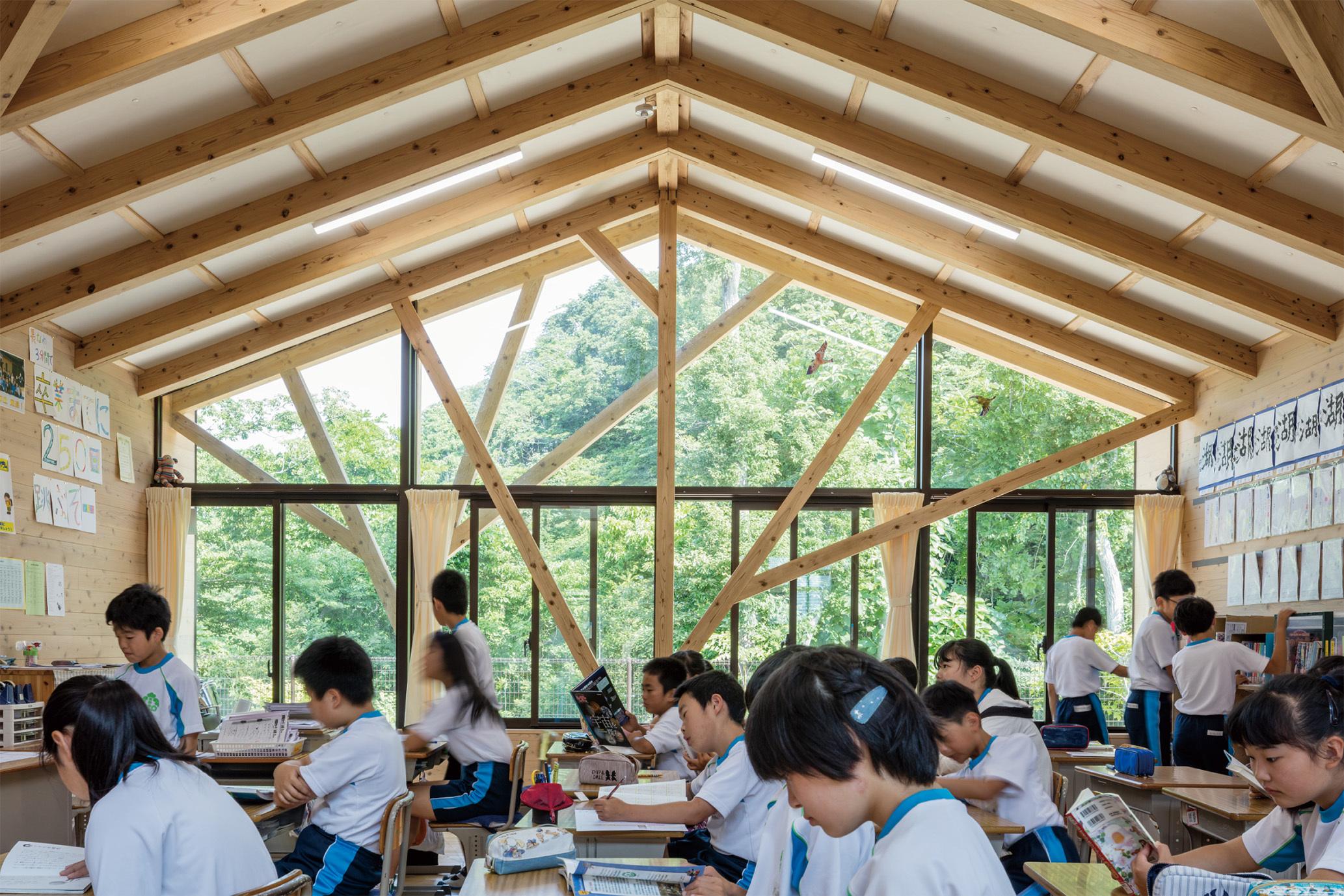 東松島市立宮野森小学校 2017年 盛総合設計+シーラカンスK&H 撮影:浅川敏