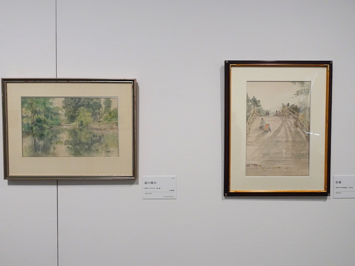 左から《湖の眺め》明治35年 個人蔵、《宮島》制作年不詳(明治後期) 個人蔵
