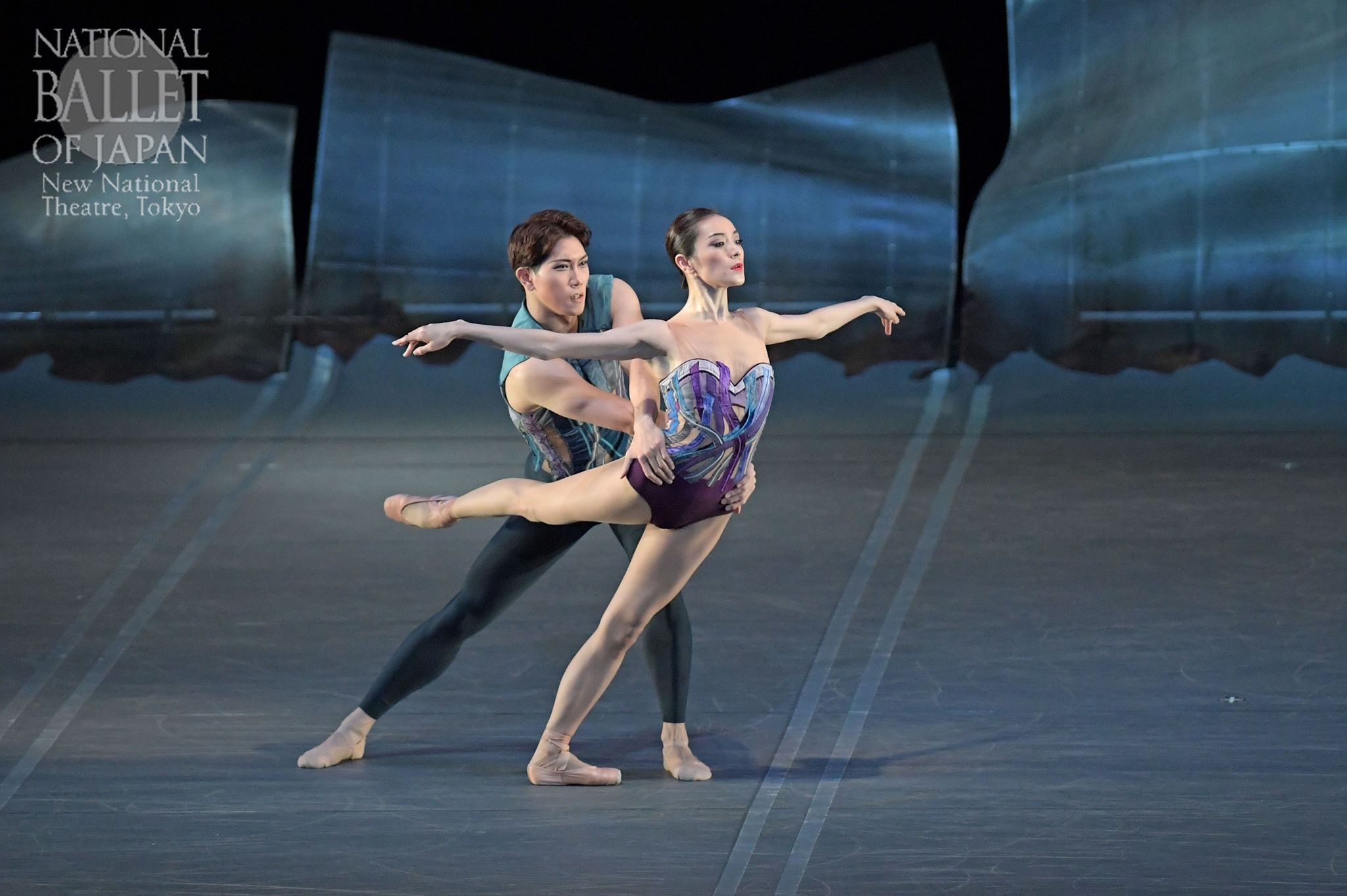 『DGV Danse à Grande Vitesse ©』本島美和、中家正博(撮影:鹿摩隆司/写真提供:新国立劇場)