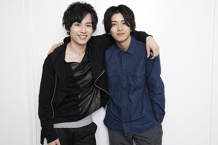 (左から)鈴木勝吾、飯島寛騎