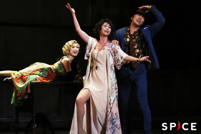 (左から)リリー:山本紗也加、ハニガン:辺見えみり、ルースター:青柳塁斗