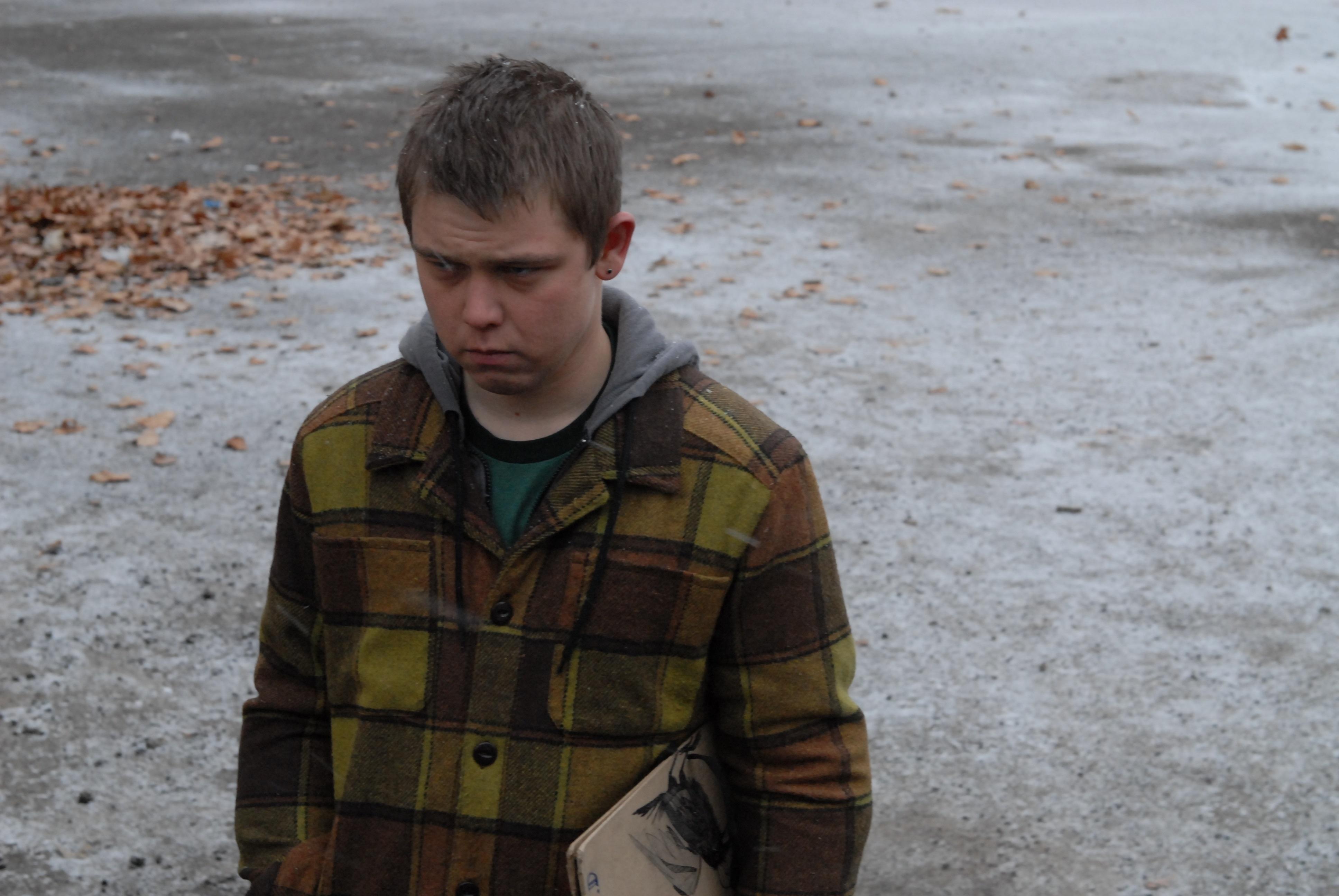 鍵を握るイーライ役 J・マイケル・トラウトマン。だいぶひねくれてますね (C)2012 Sibling The Movie,LLC. All rights reserved.