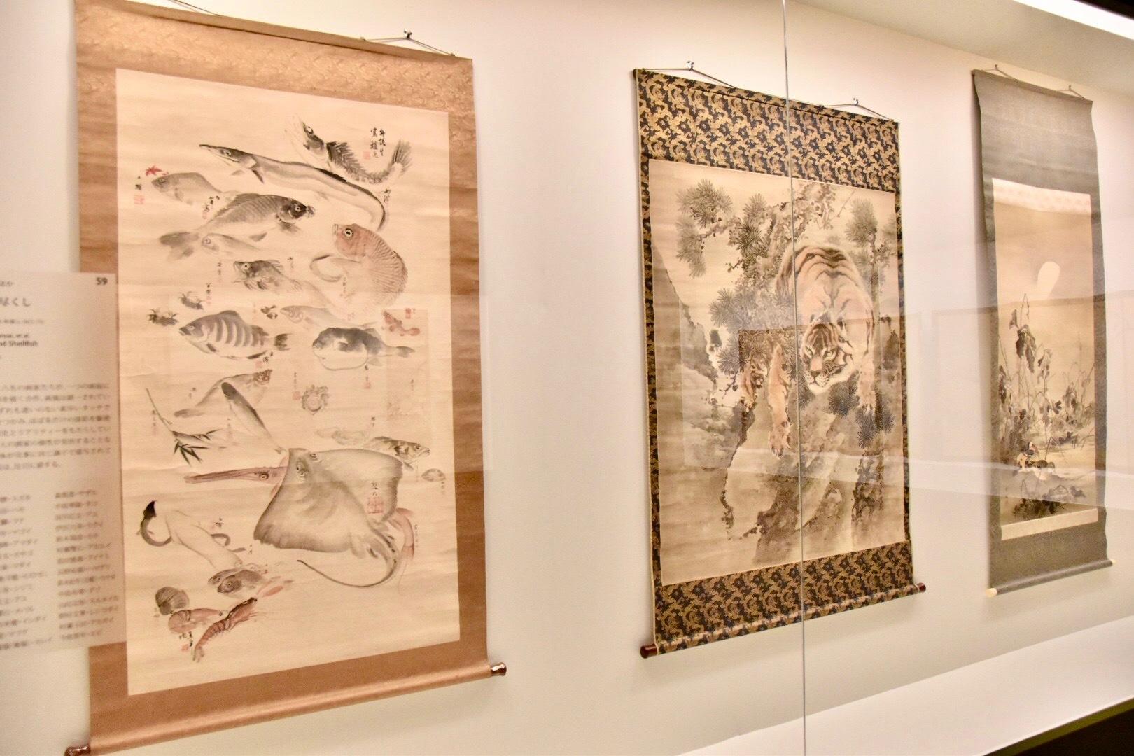 左:森寛斎ほか 《魚介尽くし》 明治5~6年頃(c.1872-73) 東京展:通期展示