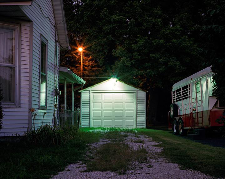 ミヨ・スティーヴンス=ガンダーラ『Nightwalking』Indiana、C-print