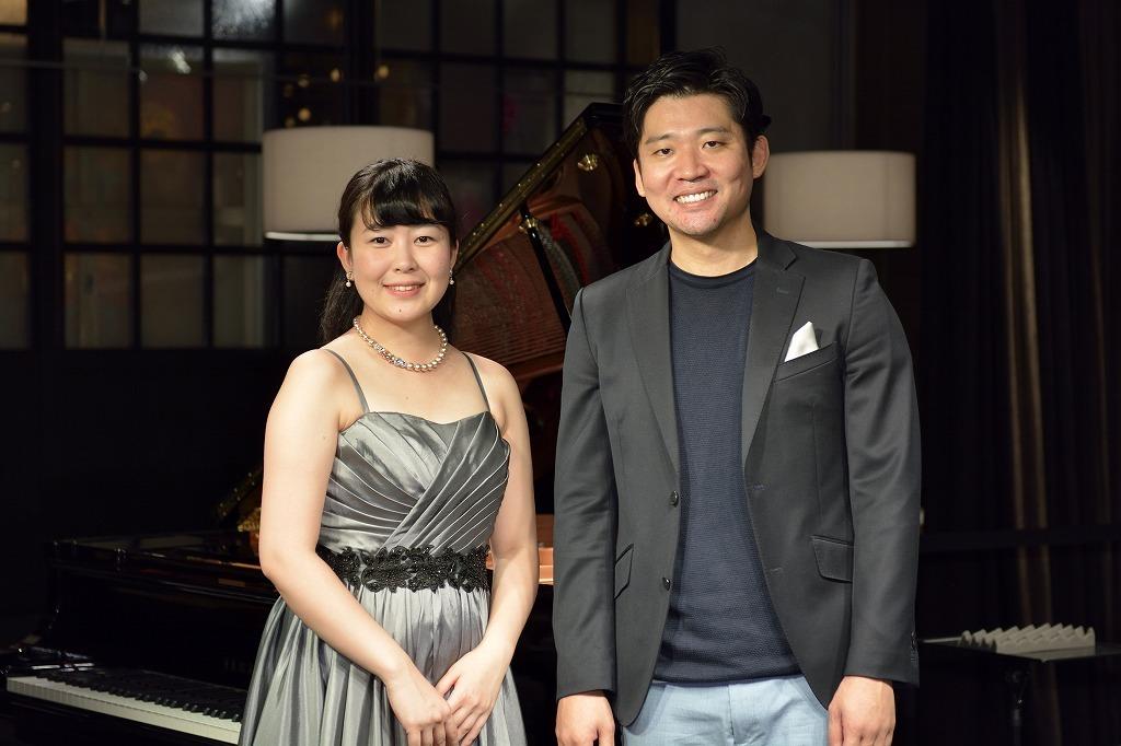 天日悠記子(ピアノ)、高橋洋介(バリトン)