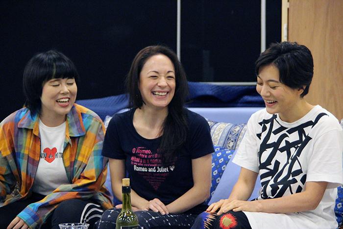 (左から)ブルゾンちえみ、シルビア・グラブ、鈴木杏