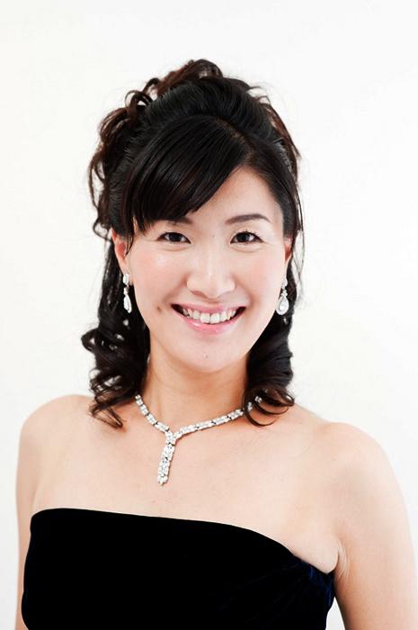 ソプラノ歌手(神戸市混声合唱団OG)老田裕子