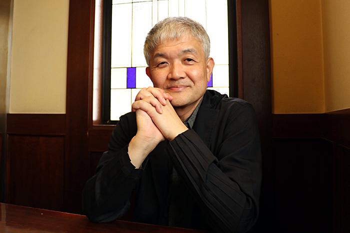 指揮者・塩谷明弘 (撮影:松村蘭)