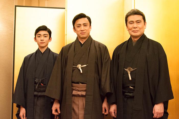(左から)八代目市川染五郎、十代目松本幸四郎、二代目松本白鸚