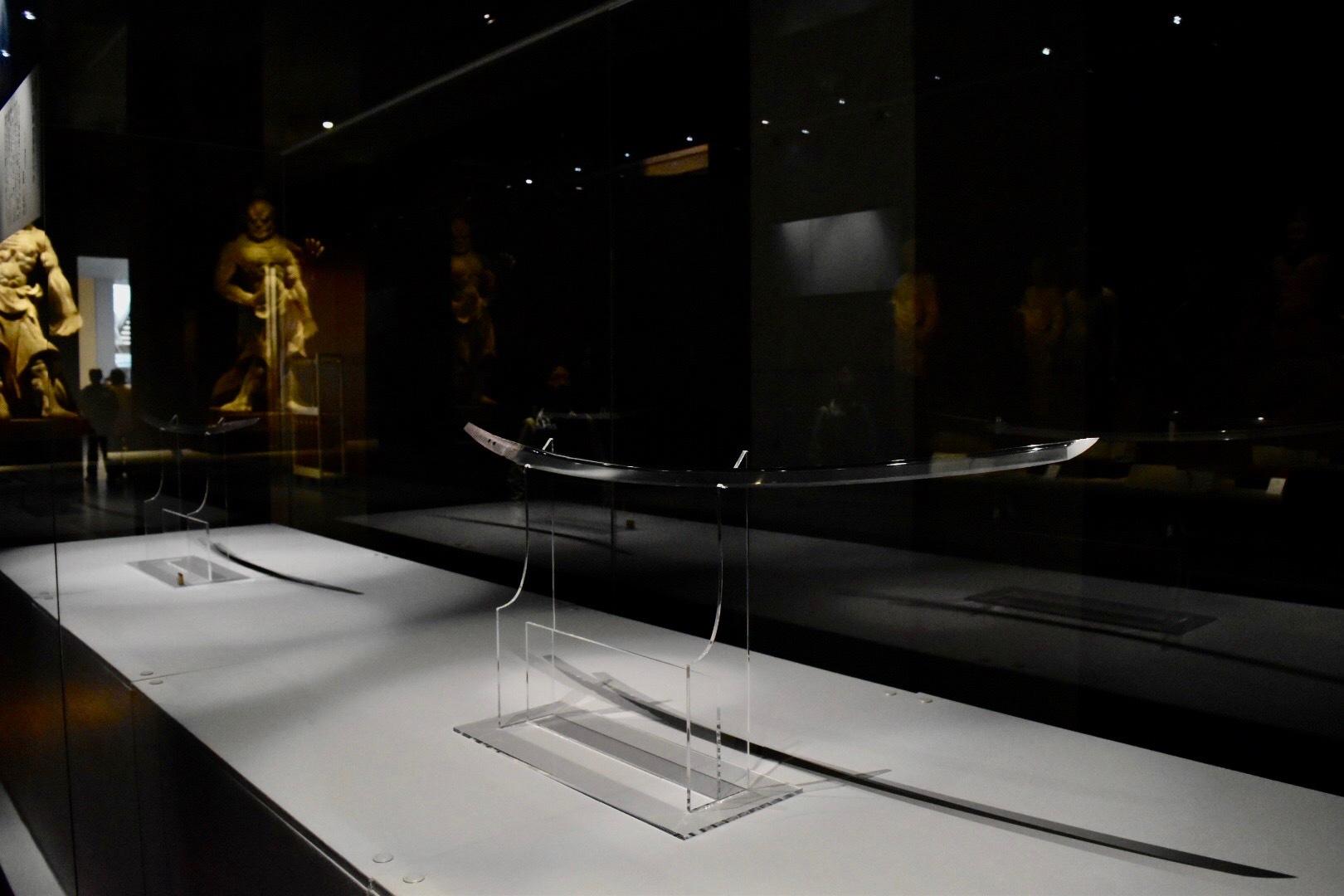 重要文化財《太刀 銘□忠(名物膝丸・薄緑)》 鎌倉時代 京都・大覚寺