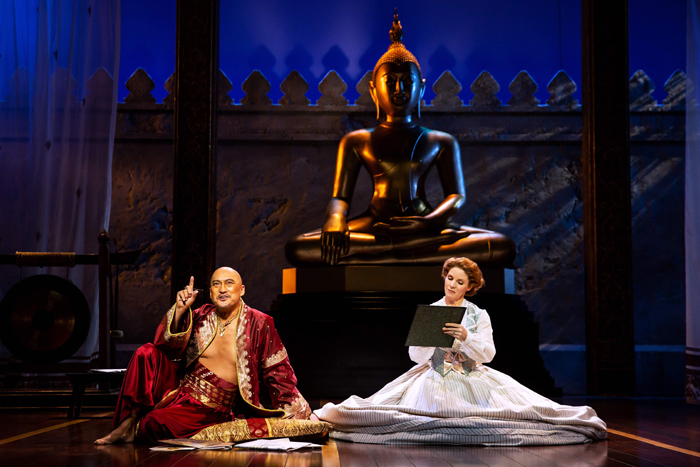 『王様と私』Photo by Matthew Murphy The London Palladium Production