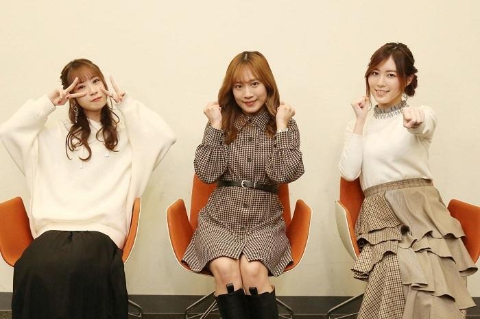 左から高柳明音(2期生)、斉藤真木子(2期生)、松井珠理奈(1期生)