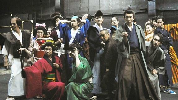 出演者せいぞろいのオープニング  撮影:吉永美和子(このページすべて)