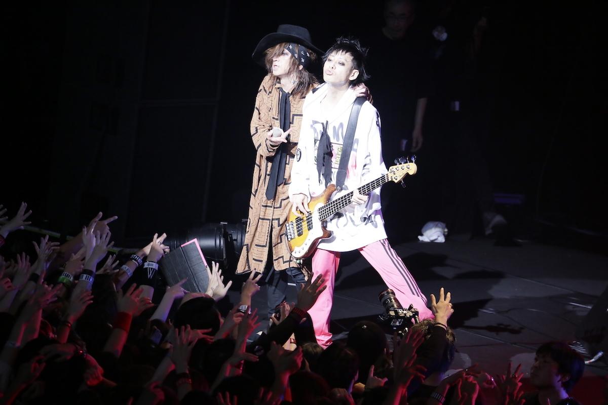 sads photo by:森 好弘(Yoshihiro Mori) 、柏田 芳敬(Yoshitaka Kashiwada)