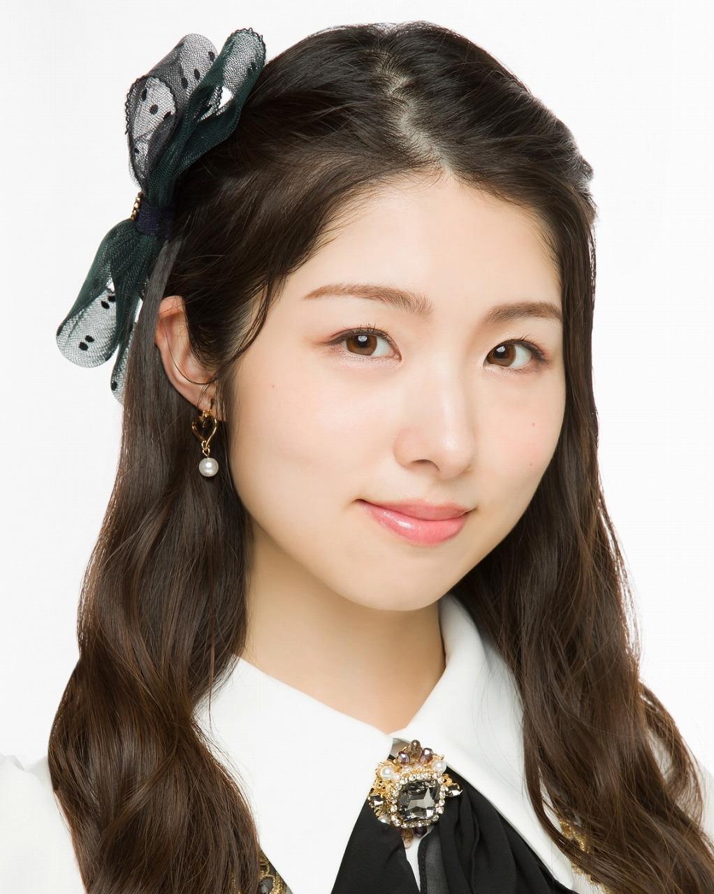 岩⽴沙穂(AKB48)