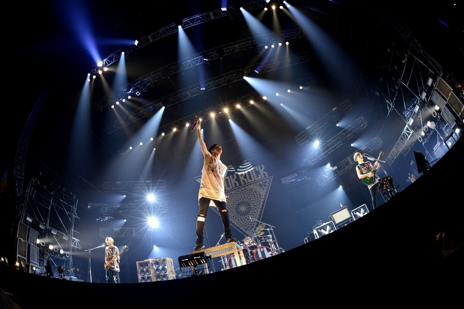 "ONE OK ROCK photo by 半田""H.and.A""安政"