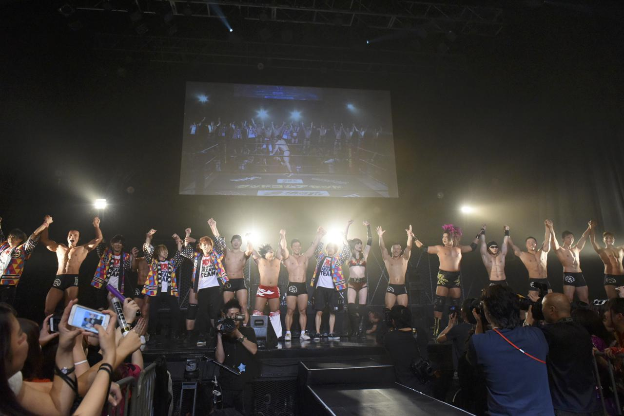 『DDTフェス2016』カメレオ軍vsマッチョ29軍全面対抗戦 30分一本勝負