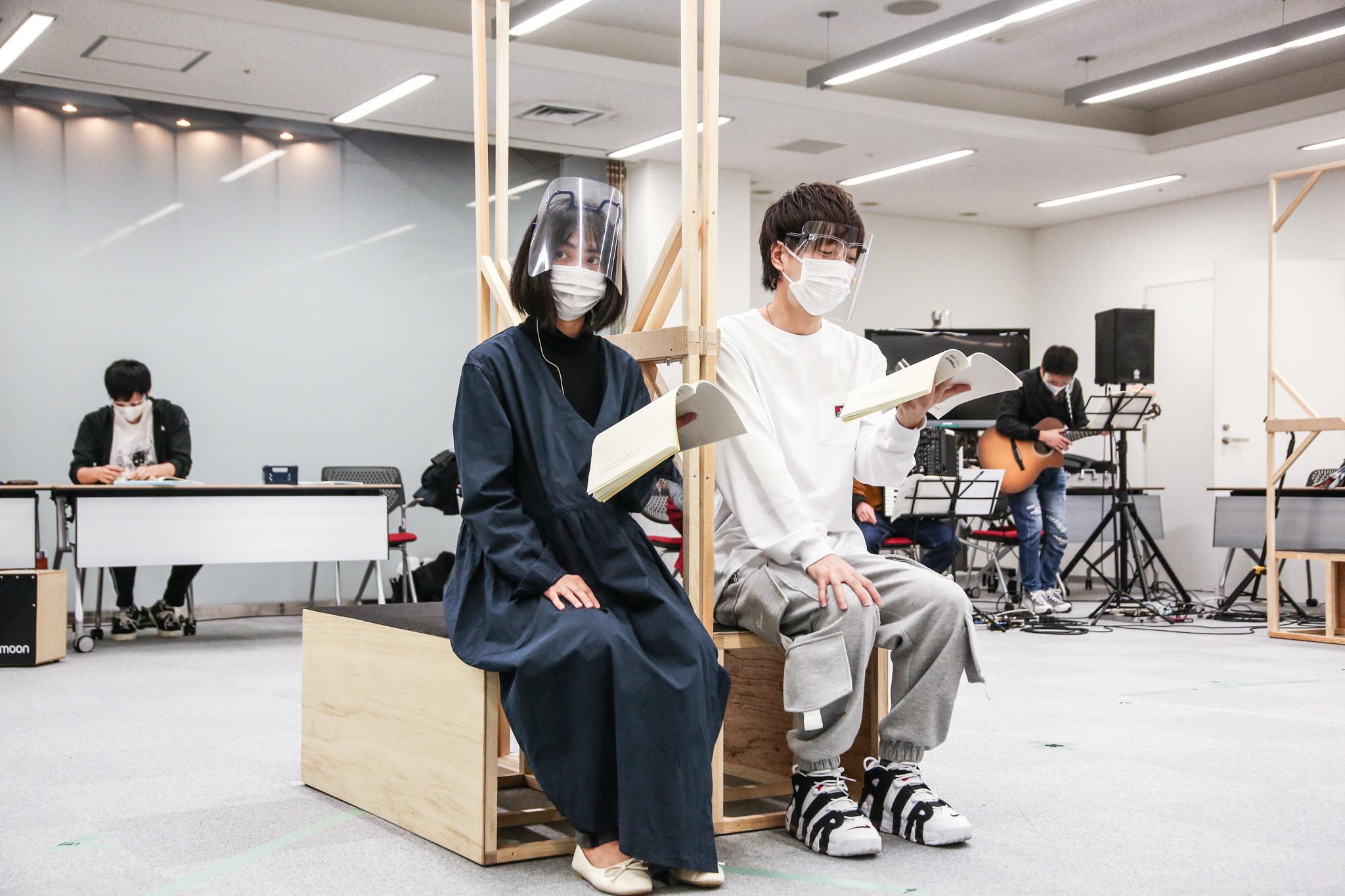 左:谷村美月 右:松井勇歩