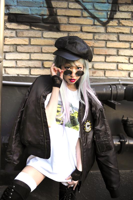 カプセルコーポレーション限定MA-1 (黒/カーキ) 15,800円(税別) 神龍迷彩Tシャツ(悟空)  (白/ブラック) 3,000円(税別)