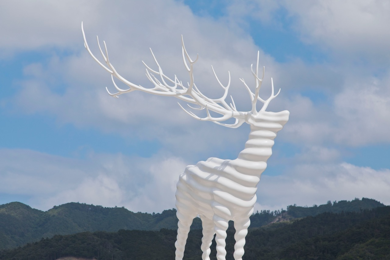 Kohei Nawa, White Deer(Oshika)