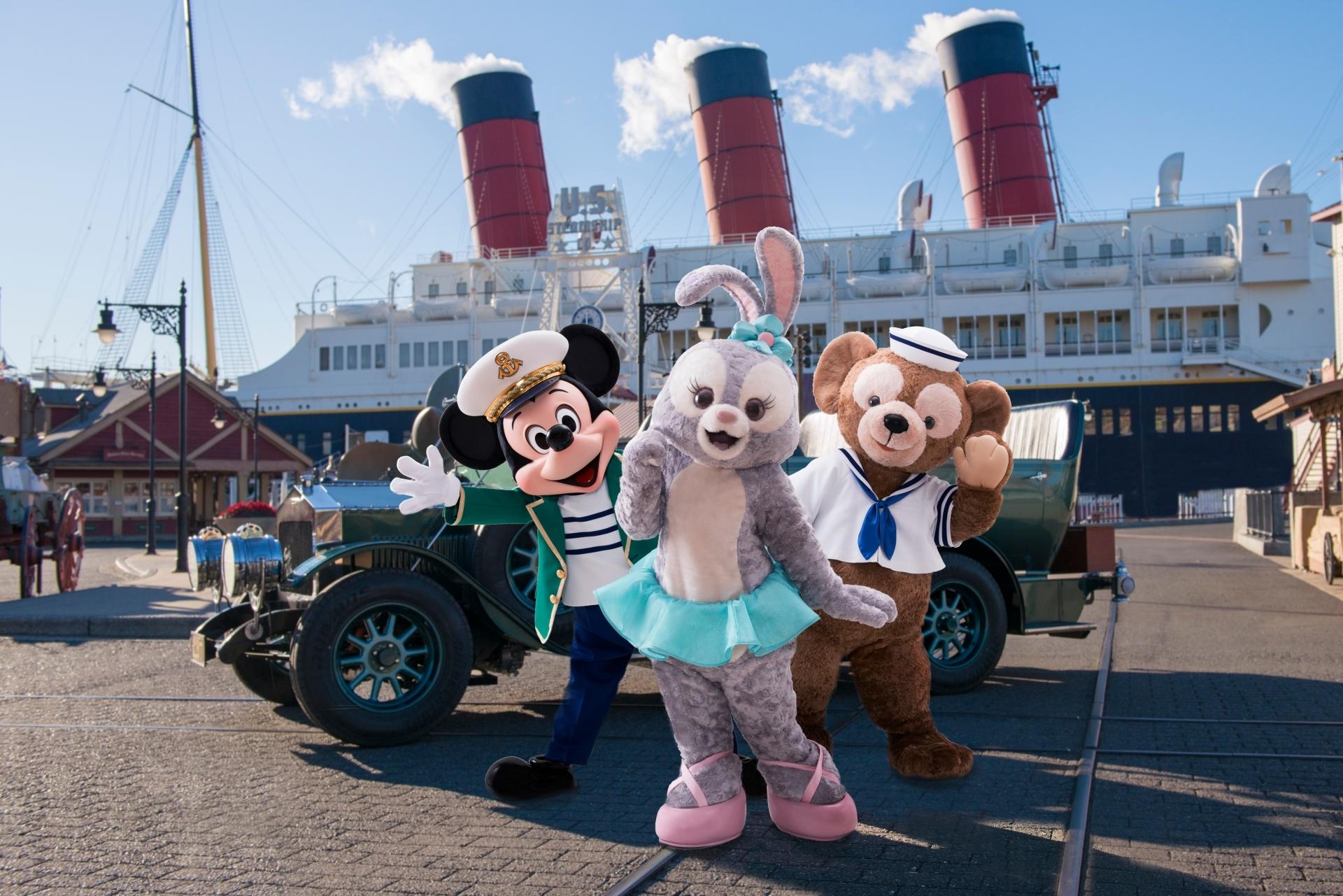 ミッキー、ステラ・ルー、ダッフィー (C)Disney