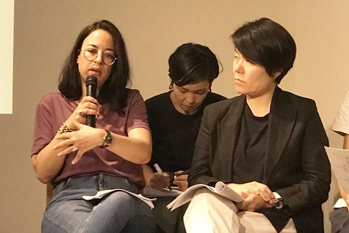 ブシュラ・ウィーズゲン(左) [撮影]吉永美和子