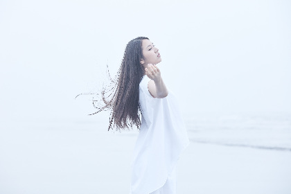 阿部真央、最新曲「Be My Love」が川島海荷・白洲迅W主演ドラマ『僕らは恋がヘタすぎる』主題歌に決定(コメントあり)