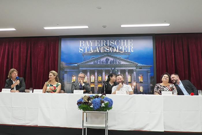 (左から)クラウス・フロリアン・フォークト、アンネッテ・ダッシュ、ニコラウス・バッハラー、キリル・ペトレンコ、エレーナ・パンクラトヴァ、マティアス・ゲルネ