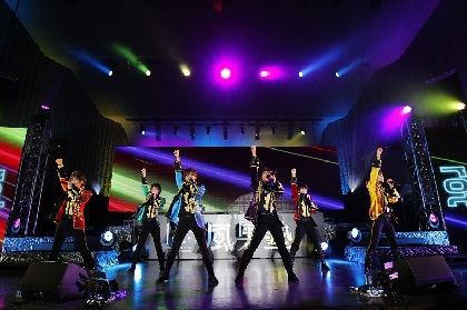 風男塾 新体制で迎えた10周年、虹色に染まった野音ライブ・オフィシャルレポート