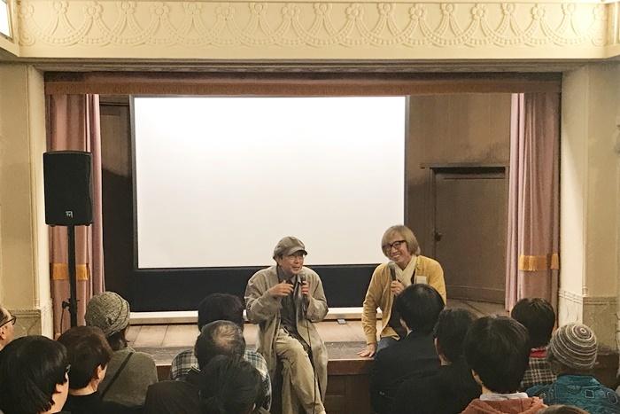 「揚輝荘天街展」のイベントとして行われた、しりあがりと天野のトーク。「揚輝荘天街展」は11/30まで、名古屋の「揚輝荘 聴松閣」で開催中。