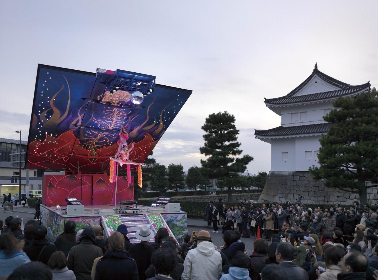 パラソフィア京都国際現代芸術祭における二条城でのイベント風景 2015 年3 月6 日 撮影:表恒匡