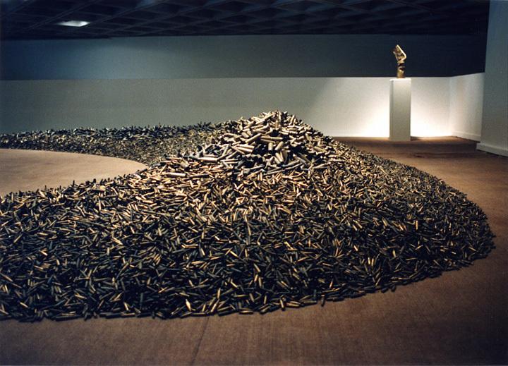 榎忠『薬莢』1991-1992 ©Chu Enoki
