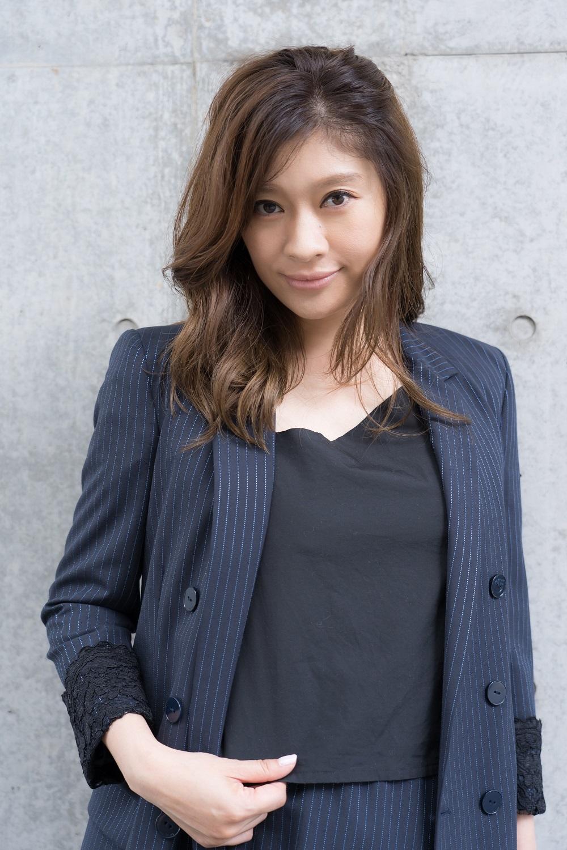 篠原涼子が13年ぶりに舞台立つ『アンナ・クリスティ』 舞台・作品・役柄についての強い思い、そして意気込みとはの画像3/5