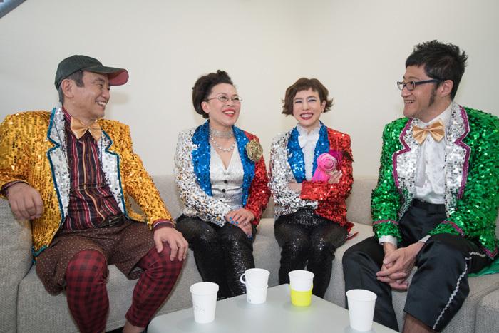 (左から)喰始、柴田理恵、久本雅美、大久保ノブオ   撮影=横山将勝