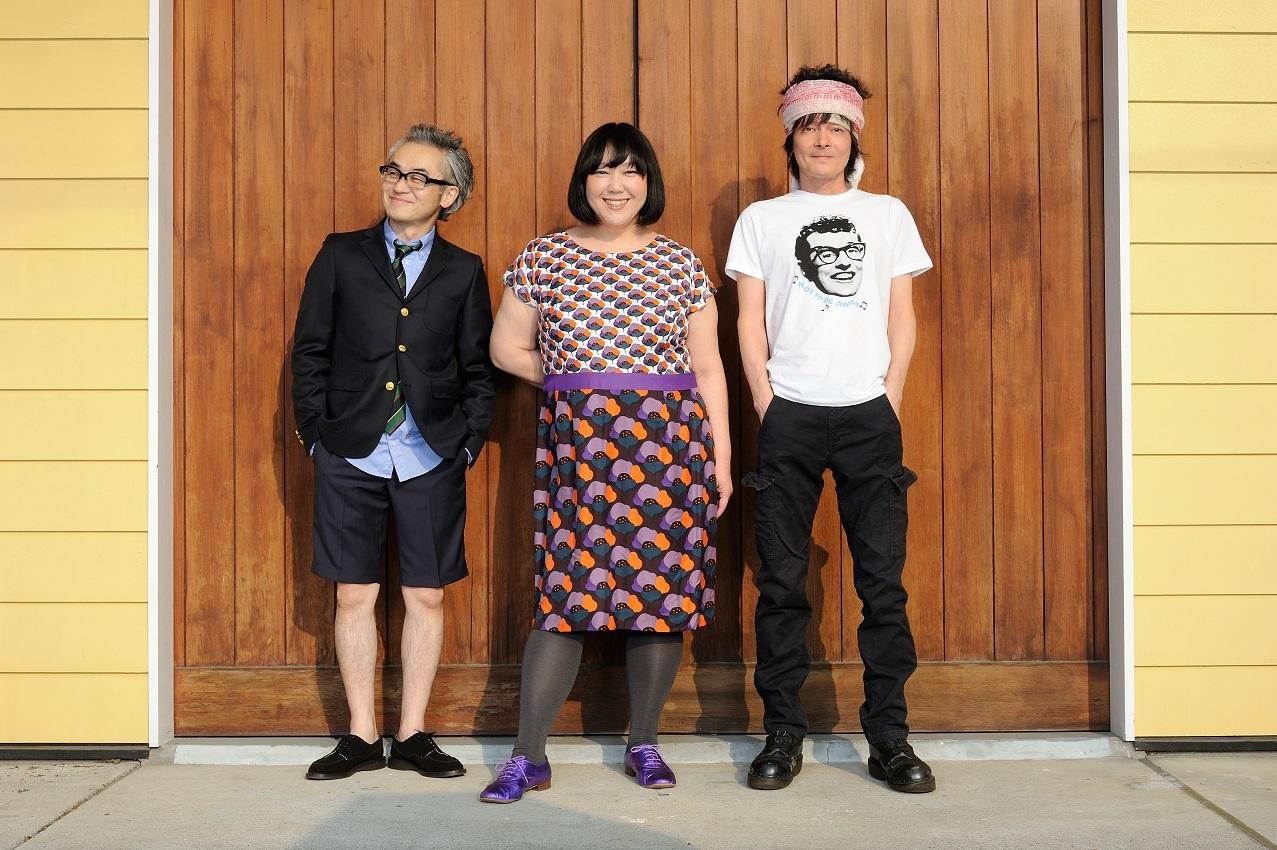 左から、中森泰弘(G.Vo/ヒックスヴィル)、真城めぐみ(Vo/ヒックスヴィル)、真島昌利(G.Vo/ザ・クロマニヨンズ)