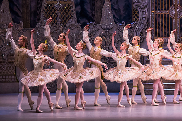 The Corps de ballet in The Royal Ballet's Nutcracker © ROH. TRISTRAM KENTON