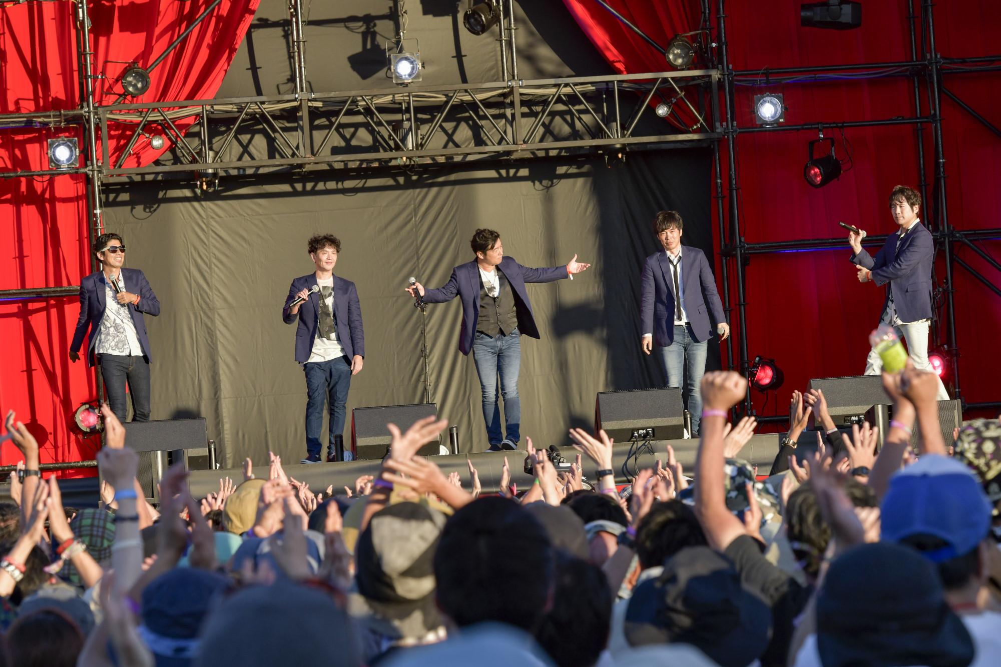 ゴスペラーズ (C)RISING SUN ROCK FESTIVAL  photo by 古渓一道