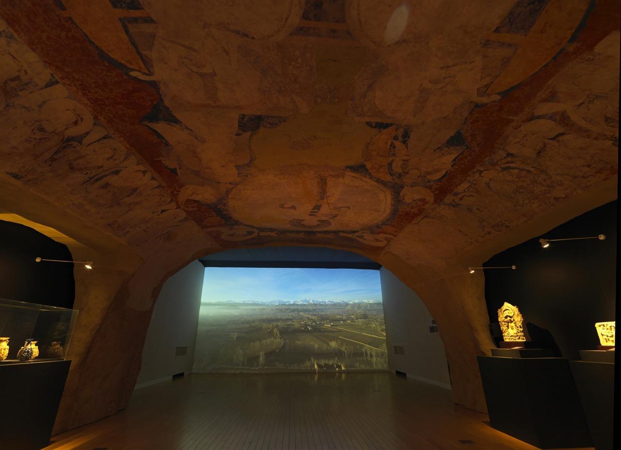 クローン文化財:バーミヤン東大仏頭上から見た様子を復元