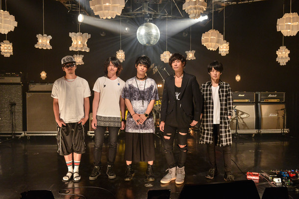 [Alexandros]と山中拓也(THE ORAL CIGARETTES)。