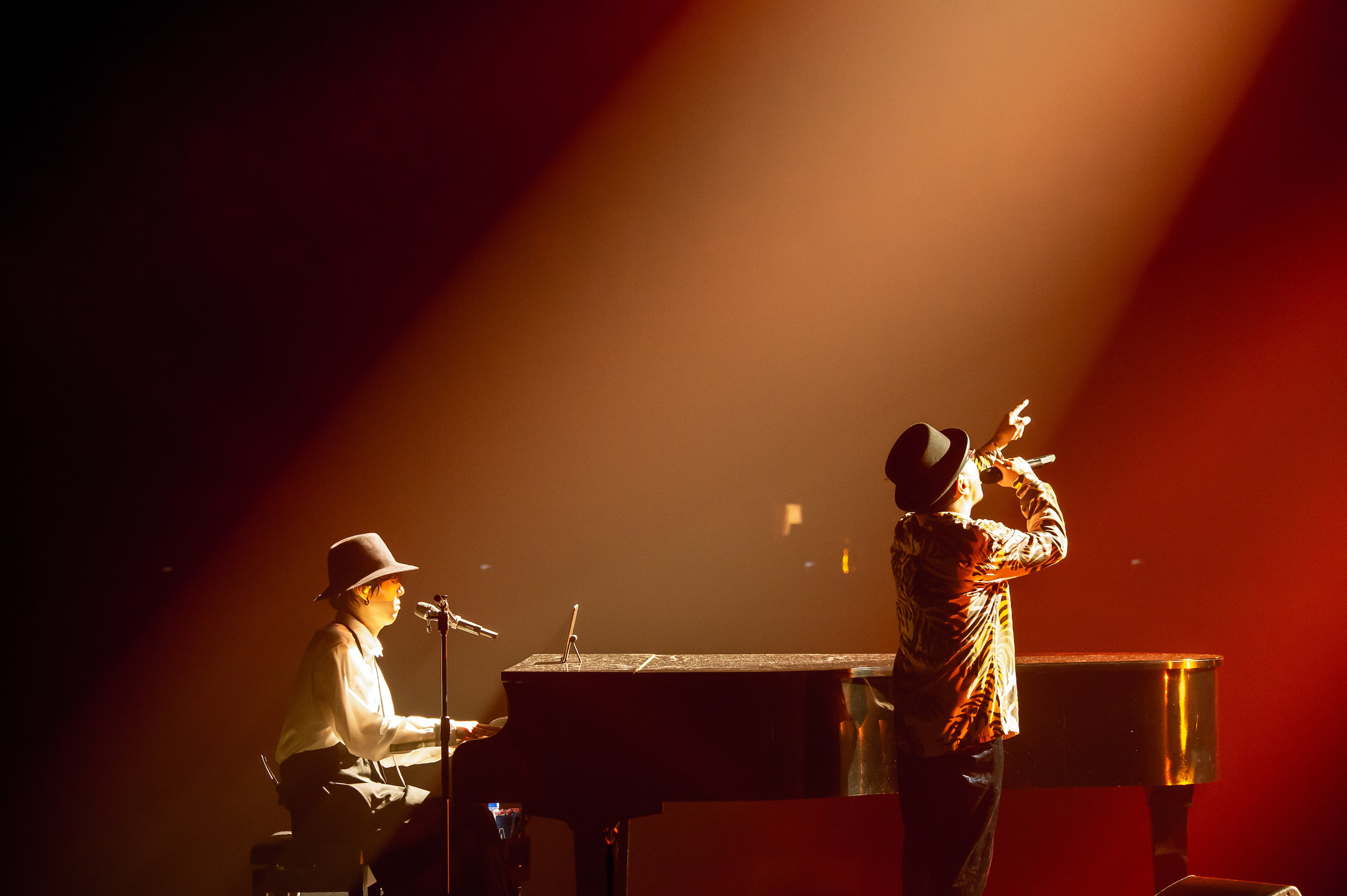RADWIMPS『15th Anniversary Special Concert』  photo by Takeshi Yao