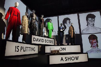 デヴィッド・ボウイ回顧展『DAVID BOWIE is』 展示会場がロックンロールする、前代未聞の展覧会をレポート