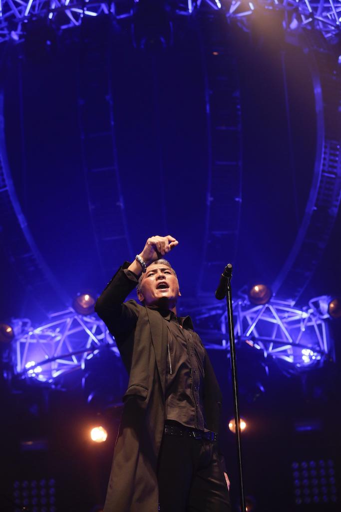 "吉川晃司『KIKKAWA KOJI LIVE 2017 ""Live is Life""』日本武道館公演 撮影=平野タカシ"