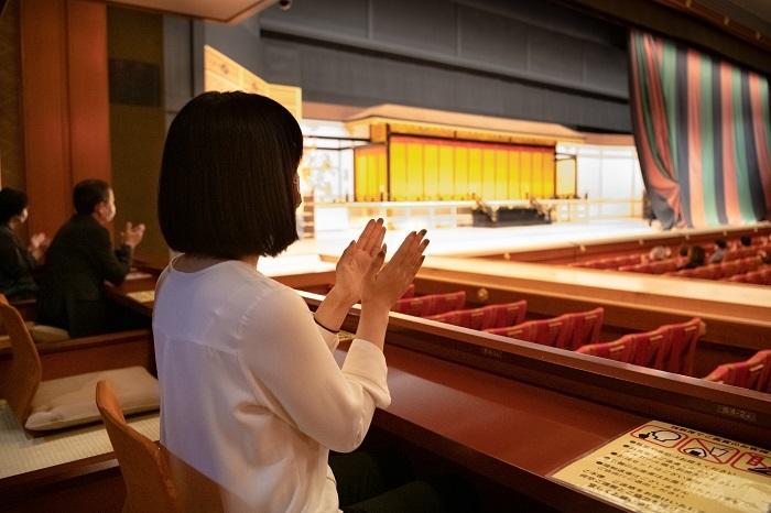 歌舞伎座の桟敷席(西側)からの眺め (C)松竹