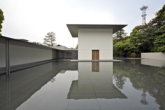 《鈴木大拙館》 谷口建築設計研究所 2011年 金沢 撮影:北嶋俊治