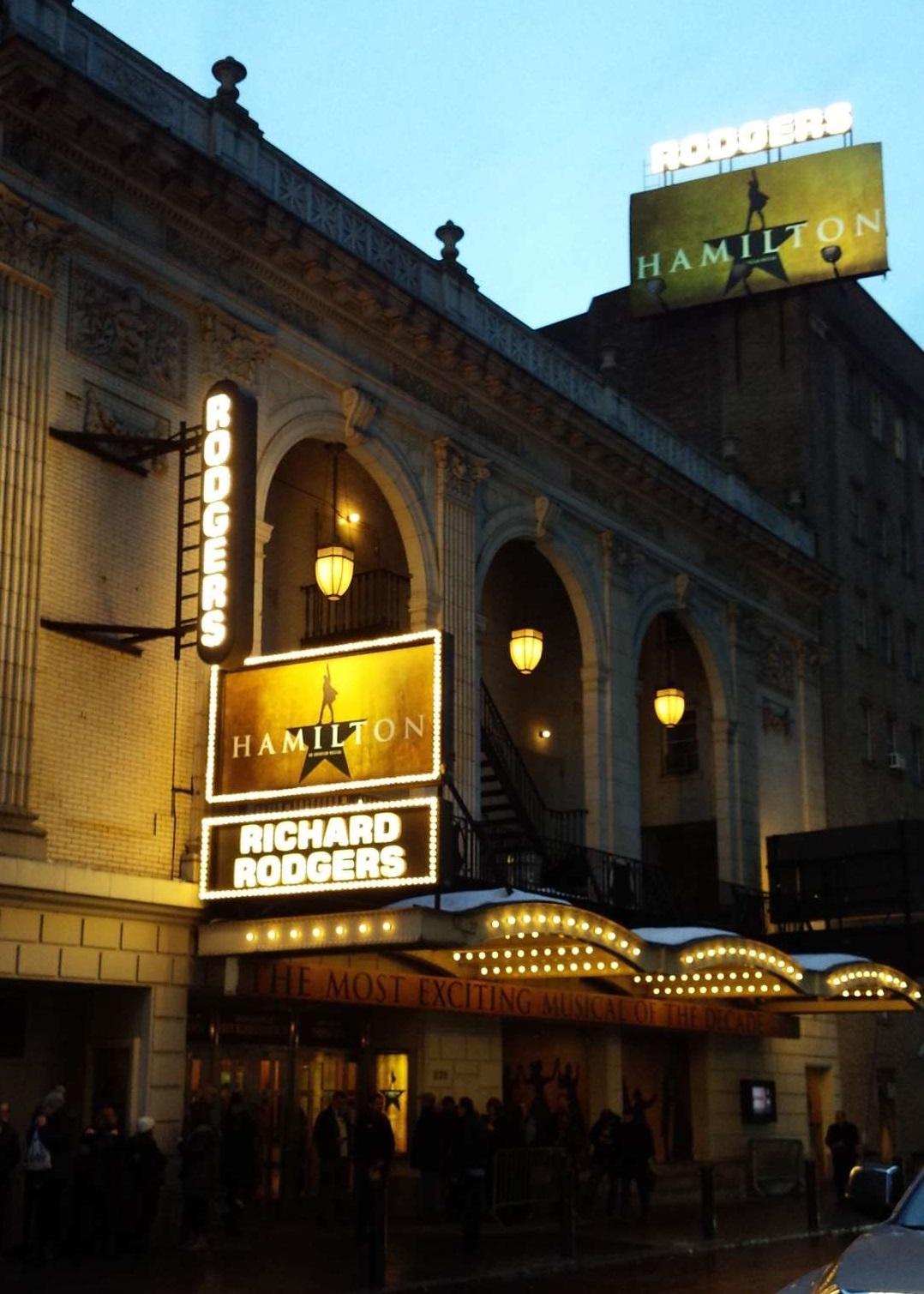 『ハミルトン』を上演中のリチャード・ロジャース劇場