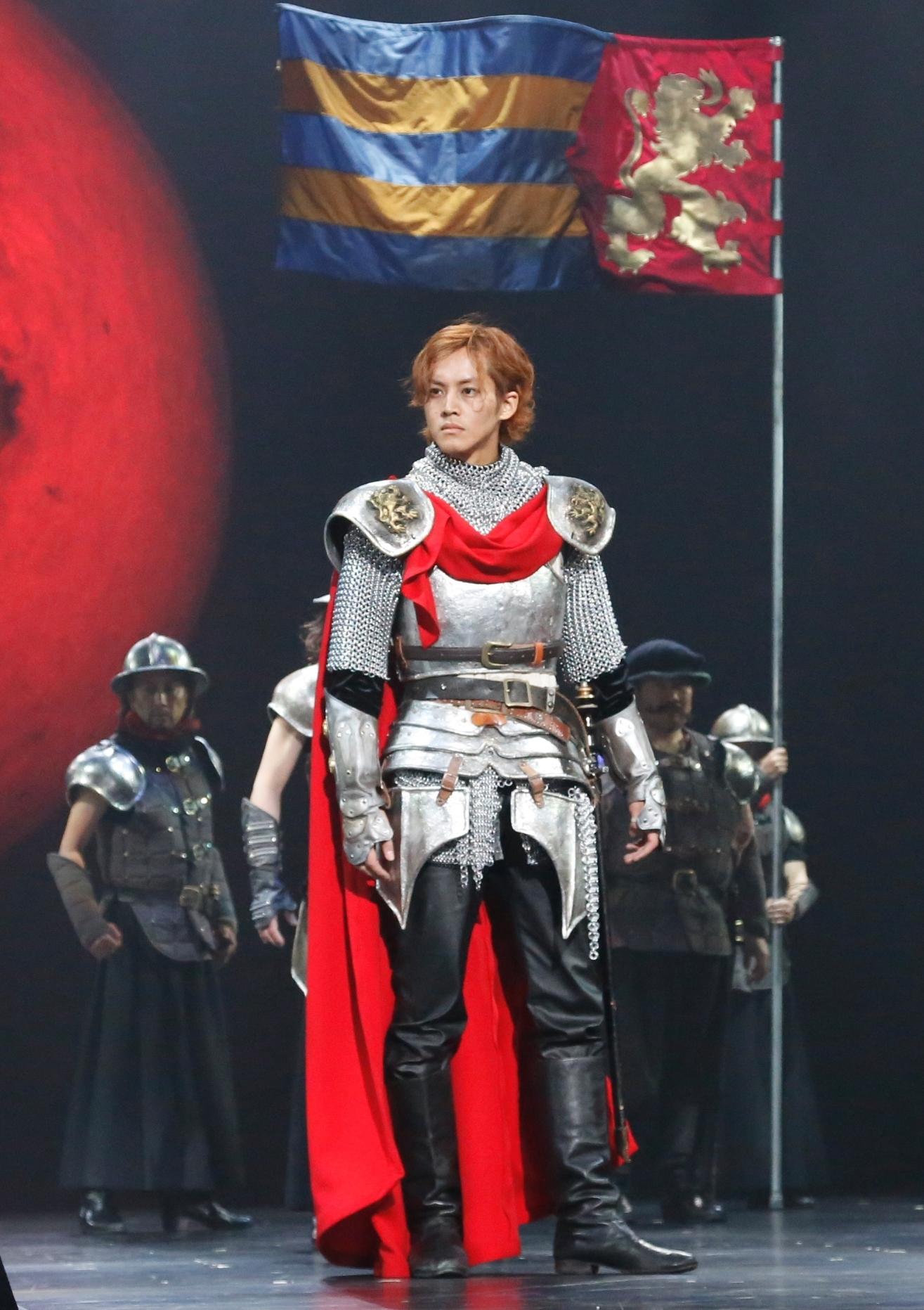 2013年上演『ヘンリー四世』より皇太子ヘンリー(ハル王子)役 松坂桃李 撮影:渡部孝弘