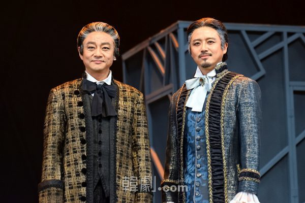 ヴォルフガングの父レオポルト役のイ・ジョンヨルとユン・ヨンソク