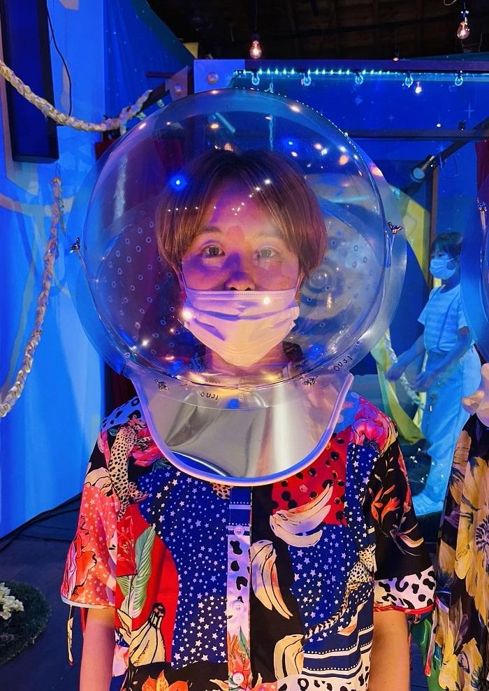 『LAPU!』で使用する球体ヘルメット。 ©ユリイカ百貨店
